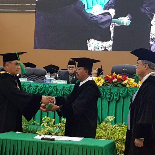 Pengukuhan Guru Besar Prof. Dr. Ir. Muhammad Kasnir, M.Si Dosen Fakultas Perikanan dan Ilmu Kelautan UMI