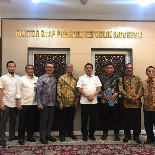 Dr.Ir. Andi Tamsil,MS Mendampingi Pengurus Shrimp Club INDONESIA (SCI) Ke Kepala Staf Kepresidenan RI Jend TNI (Purn) Moeldoko di Istana Presiden