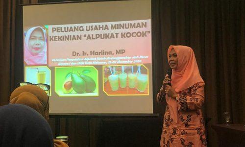Dr. Ir. Harlina, MP Sebagai Narasumber pada Kegiatan Palatihan Pengolahan Minuman Kekinian